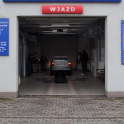Wjazd do naszej stacji kontroli pojazdów prezentuje się jako nowoczesne miejsce we Wrocławiu, gdzie znajdziesz samych profesjonalistów.