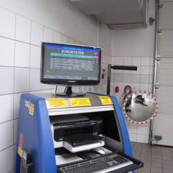 Zapraszamy do naszej stacji kontroli pojazdów na serwis klimatyzacji. Posiadamy wszystkie niezbędne maszyny oraz płyny.